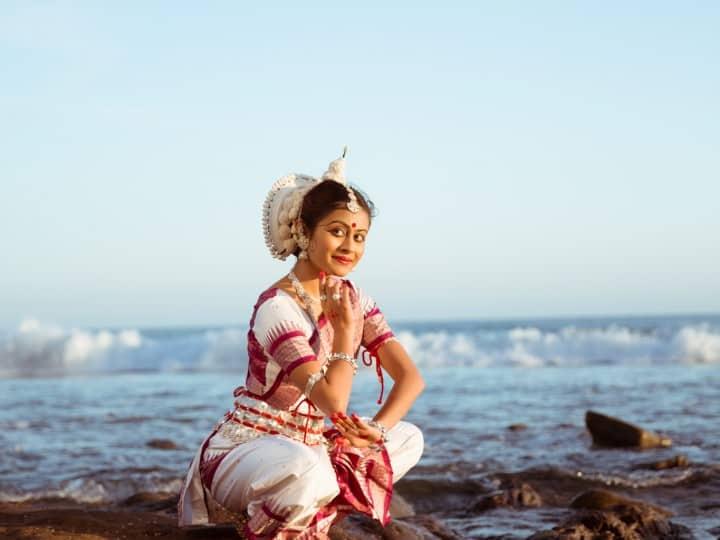 Uma Odissi Rangapravesam Portrait #3 | JMKL Collective - arangetram.me