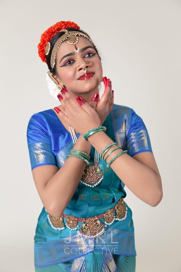 Kavadi Bharata Natyam Dance Portrait #1 | JMKL Collective - arangetram.me